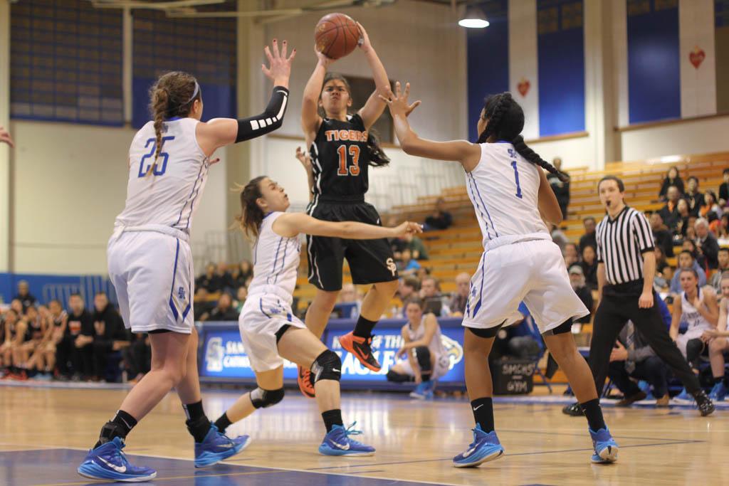 Girls' basketball suffers loss against Santa Margarita ...